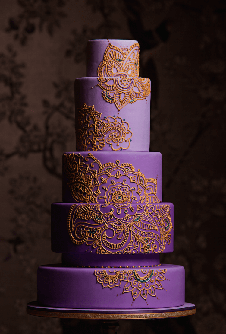 This final cake is made by Dalana at The Cake and The Giraffe. She has had a love of food and baking instilled in her from her mother and started baking when she was four! Now a seasoned cake artist, she is based in Vancouver and makes some beautiful cakes. This cake is really something, the rich purple with the intricate piping, what's not to love?! She's really nailed the gold piping and the contrast of the colours is just beautiful.