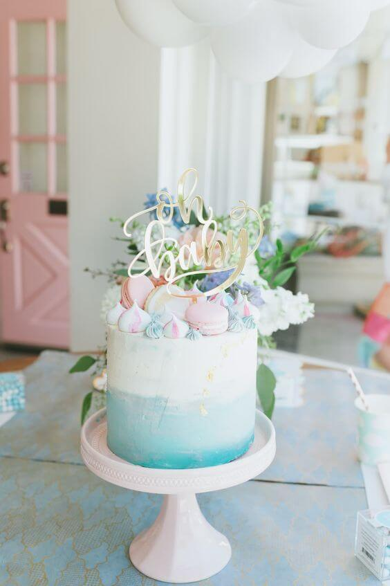 Lizzie's Bakery has whipped up this beauty. Having loved baking and starting work in social media, she then started Lizzie's Bakery and now sells lovely cakes in New England. A more modern cake but still perfect for a birthday. The blue ombre, meringue kisses, macarons and topper all make up a beautiful cake!